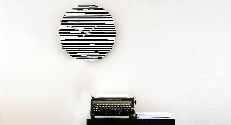 48.8:740:400:0:0:point01:none:0:1:白い壁に個性的なデザインのモノトーンで「クール」に: